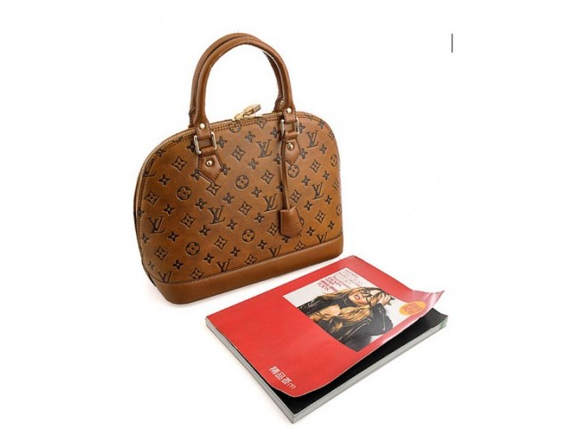 LOUIS VUITTON Select Your Country